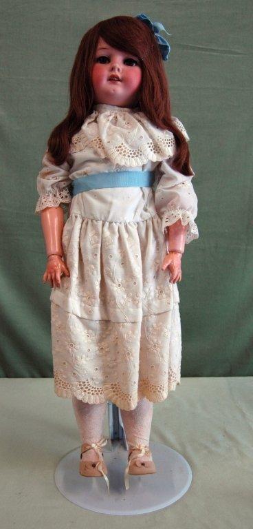 61: Heubach Kappelsdorf Doll