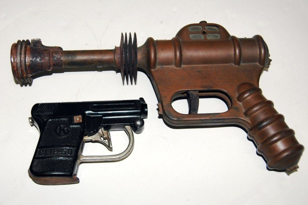 2 Toy Guns