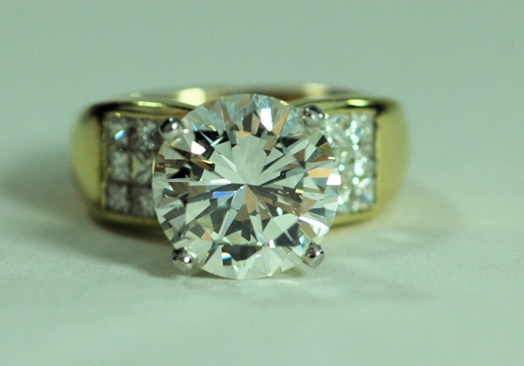 Stunning 5 Carat Diamond Ring