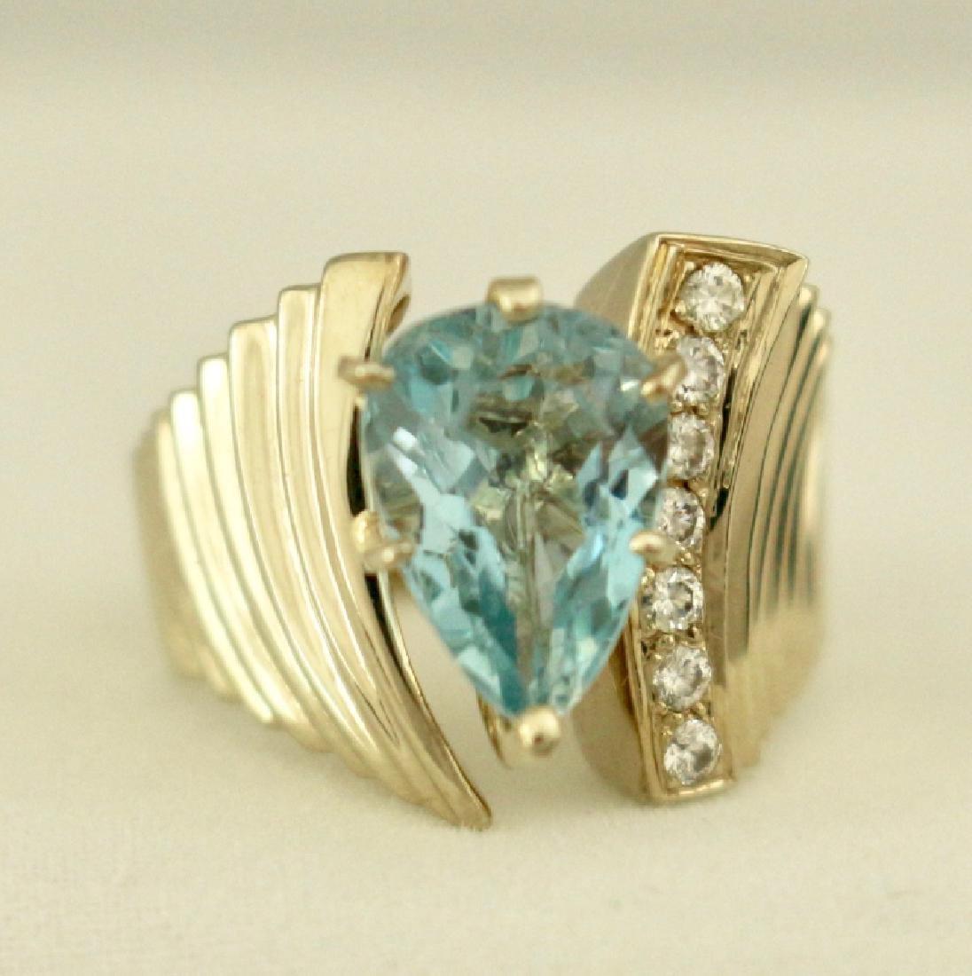 14K Gold and Aquamarine Ring