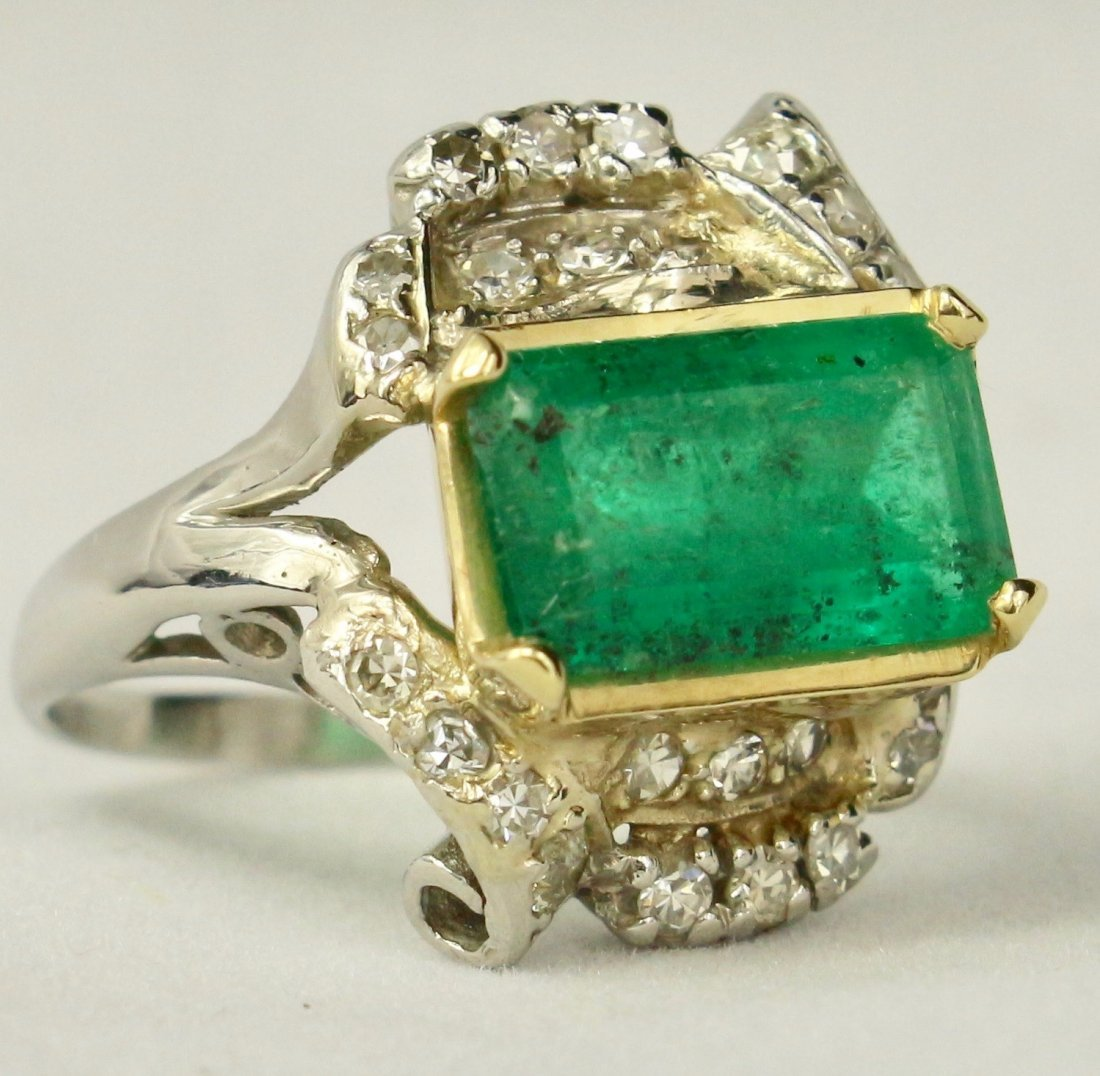 Natural Colombian Emerald Ring