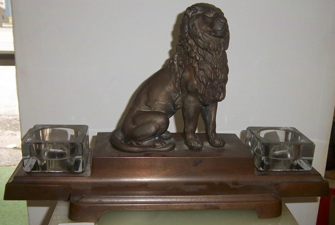 54: Ca. 1900 bronze inkwell with seated lion