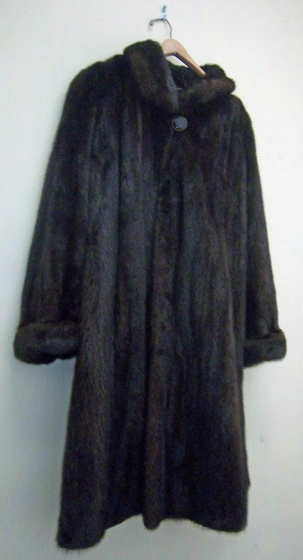 186: New ladies Mink coat size 7/8