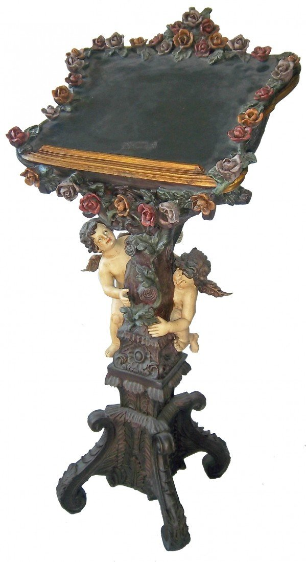 190: Podium with winged cupids and flowers