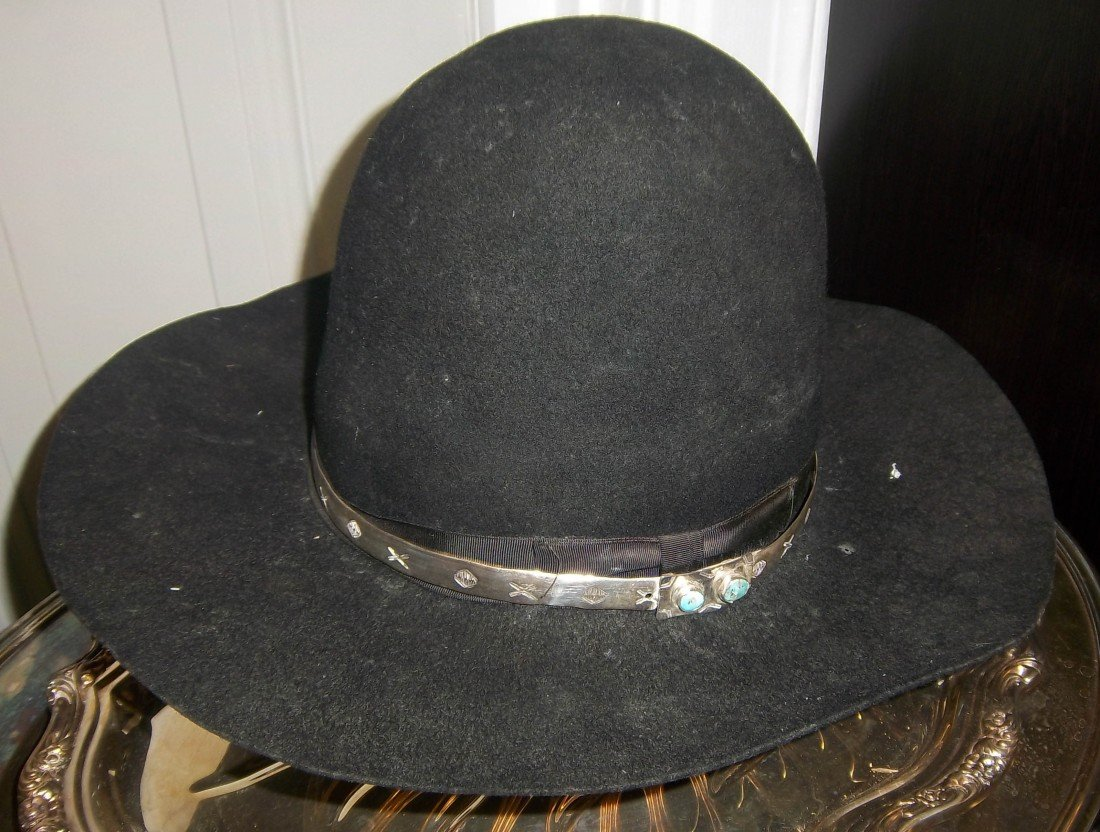 46: Felt hat with Navajo antique sterling silver band