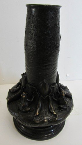 20th C. Bronze Vase With Frogs And Lily Pads