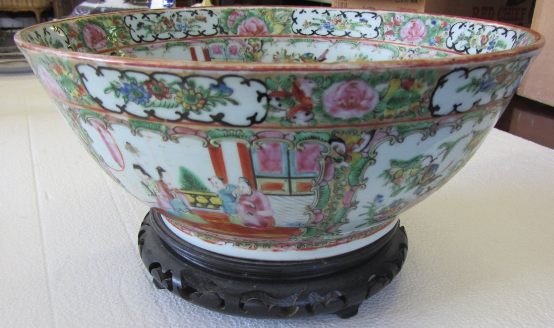 9A: Famille Rose punchbowl on stand