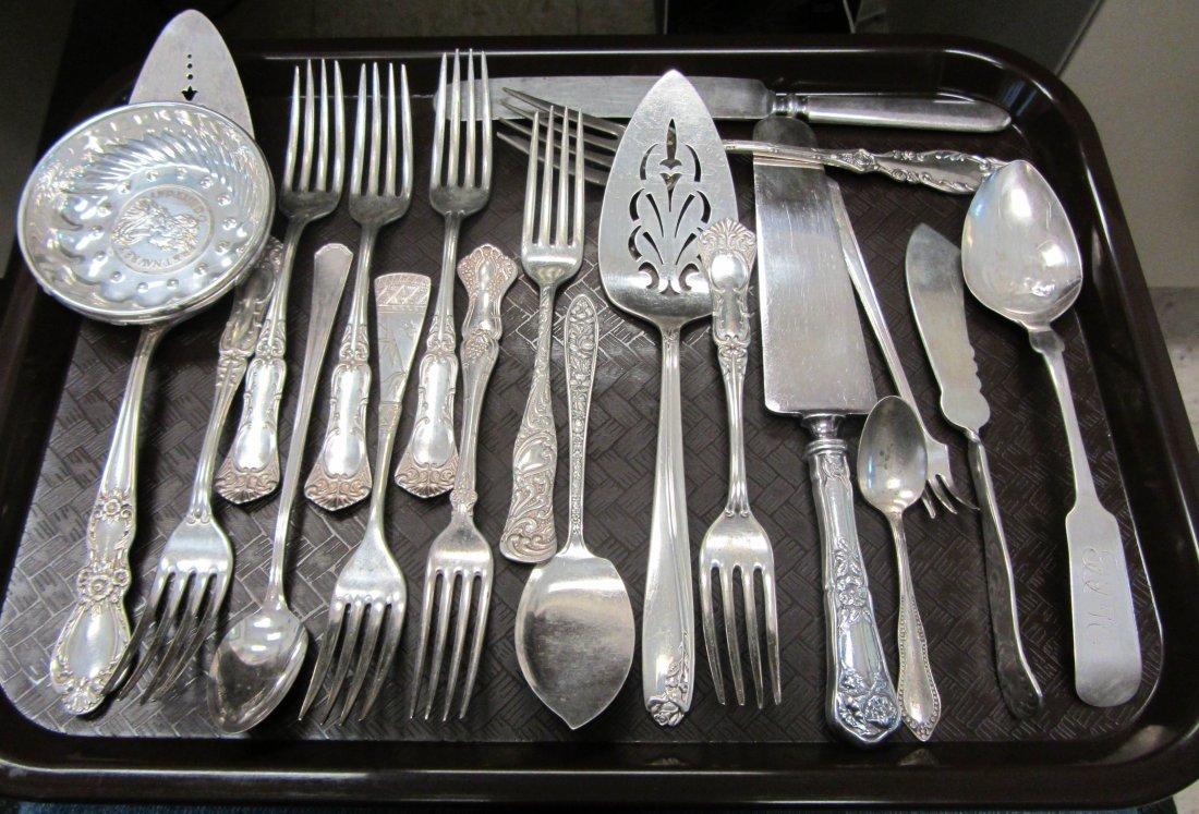 20: Lot of silverplate flatware