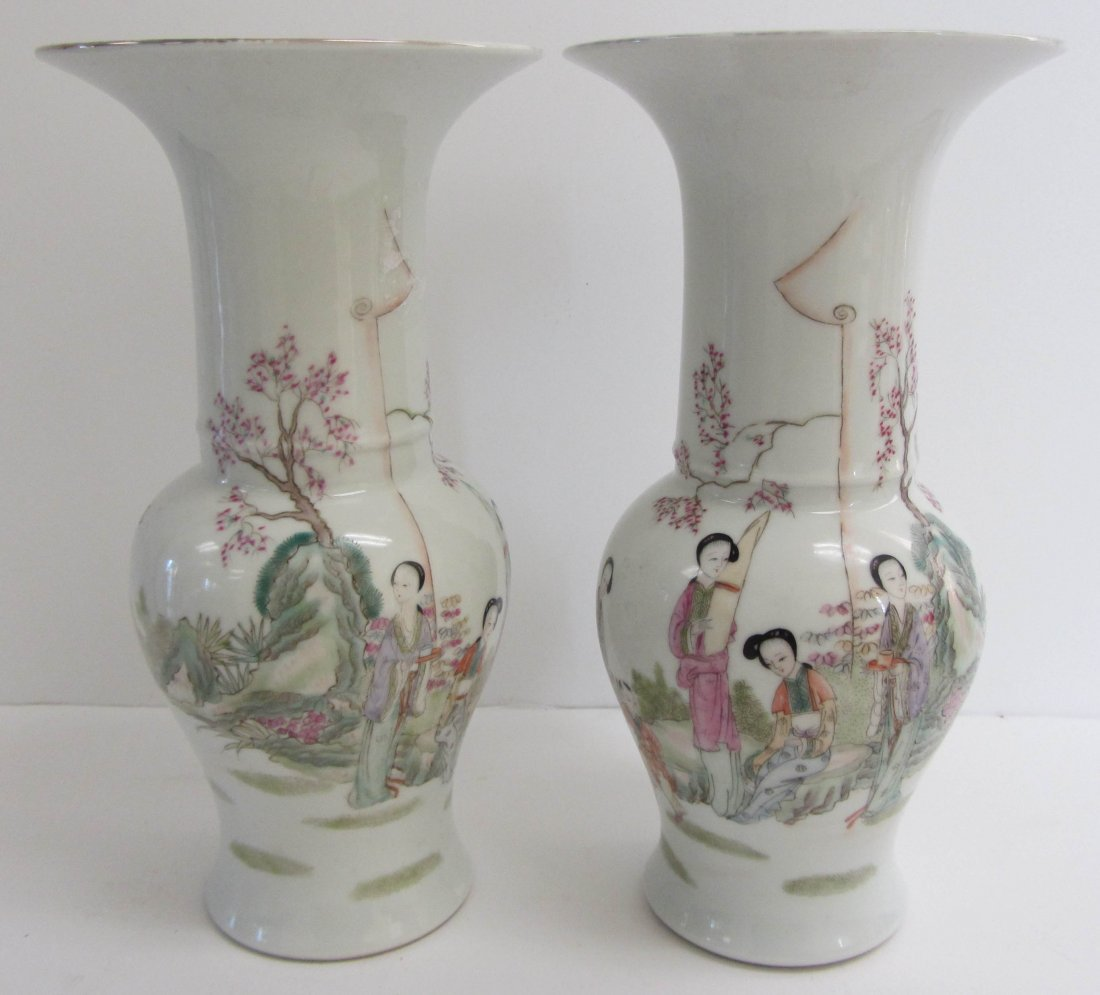 14: Pr. of Chinese urns with garden scenes