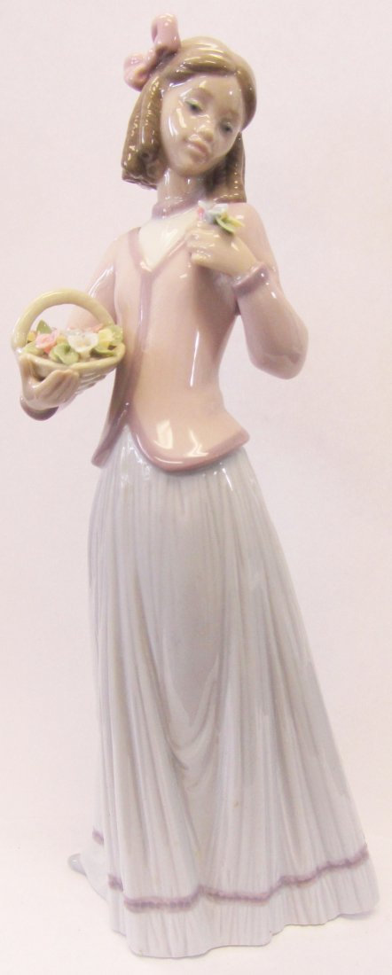 "Original Lladro ""Innocence in Bloom"""