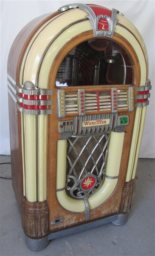 Original C1946 Wurlitzer 1015 Bubbler jukebox