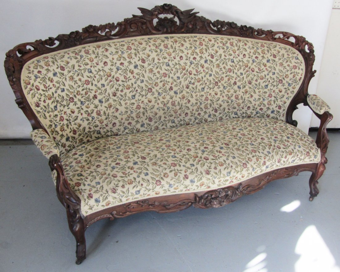 C1860 American Victorian rosewood sofa
