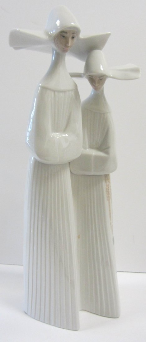 """Signed Lladro """"Two Nuns"""""""