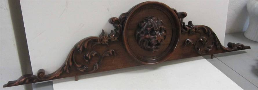 Ea. 20th C. Mahogany crest with large lion head