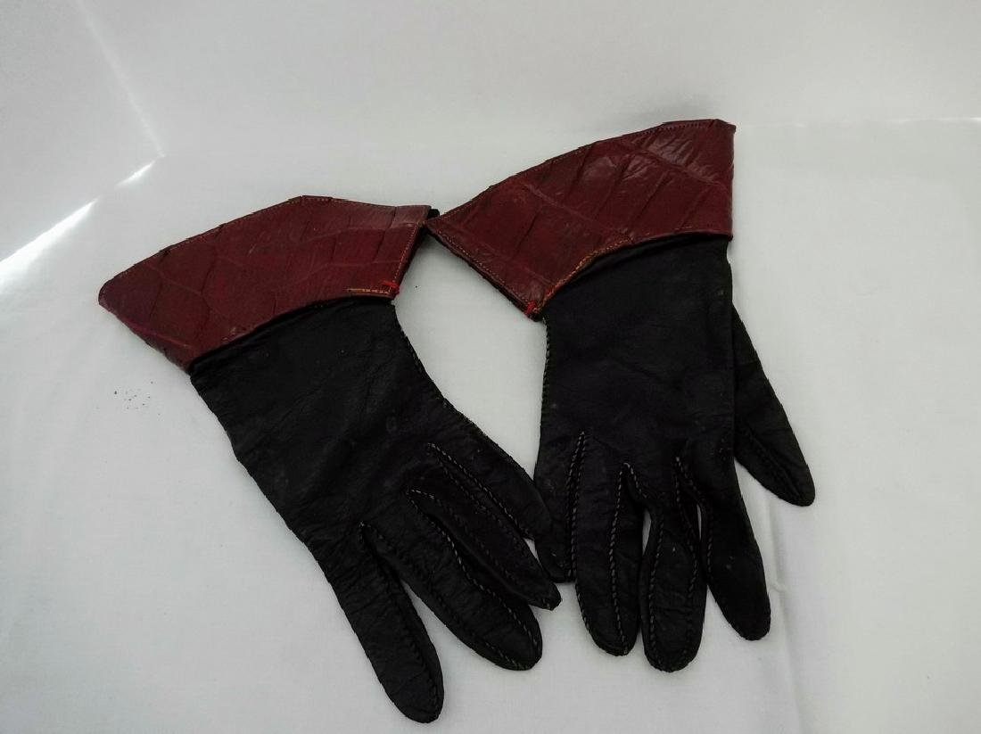 Ladies Vintage Gloves with Leather Cuffs