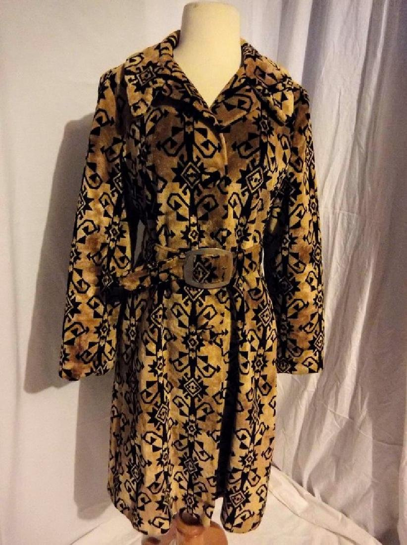 Ladies Vintage 1960's Black and Tan Valor Coat,
