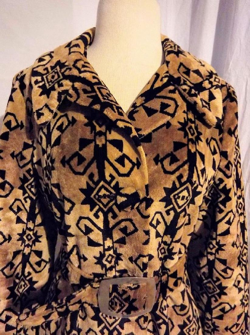 Ladies Vintage 1960's Black and Tan Valor Coat, - 2