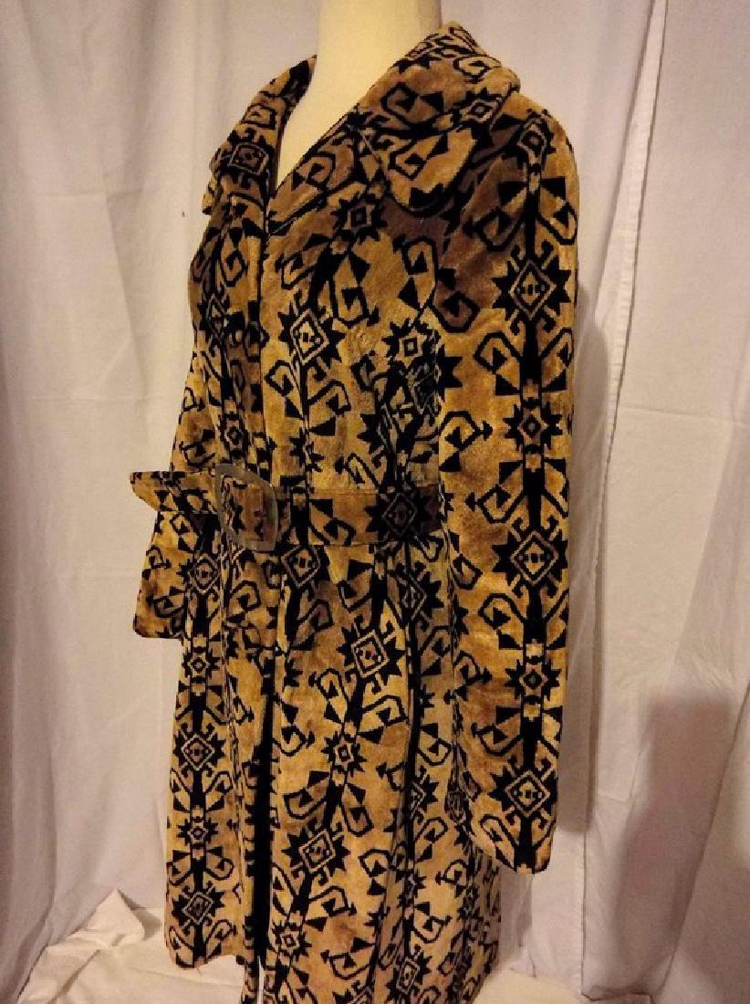 Ladies Vintage 1960's Black and Tan Valor Coat, - 3