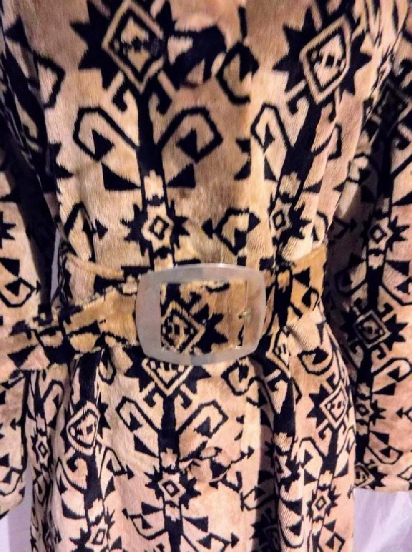 Ladies Vintage 1960's Black and Tan Valor Coat, - 4