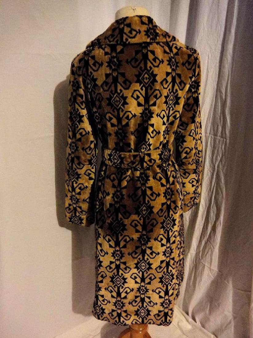 Ladies Vintage 1960's Black and Tan Valor Coat, - 5