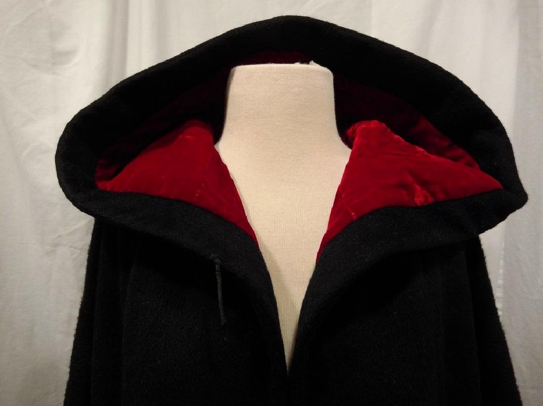 1960's Ladies Swing Clutch Coat in Black Wool with Red - 2