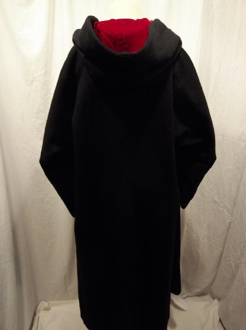 1960's Ladies Swing Clutch Coat in Black Wool with Red - 4