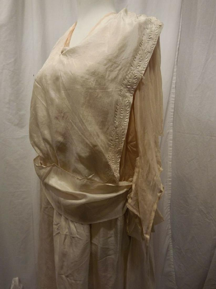 Circa 1910/20 White Silk Wedding Dress with Embroidery - 3