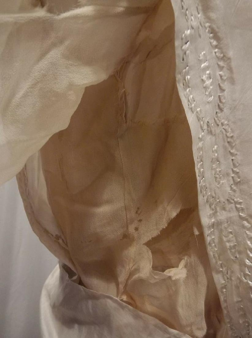 Circa 1910/20 White Silk Wedding Dress with Embroidery - 8