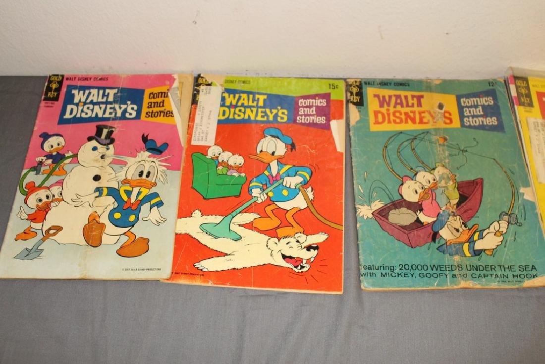 lot of 32 Disney Comics - 11