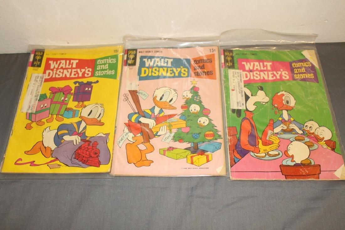 lot of 32 Disney Comics - 12