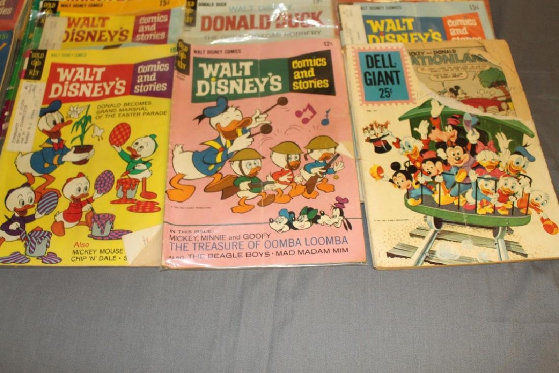 lot of 32 Disney Comics - 3
