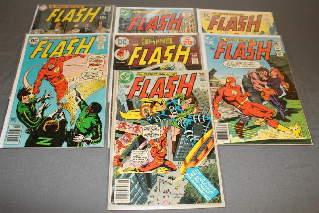 7 comics Flash comics DC