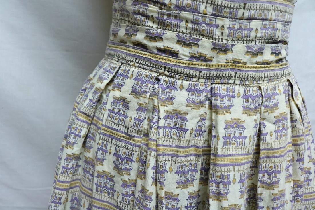1950's Novelty Print Skirt with high waist band - 2