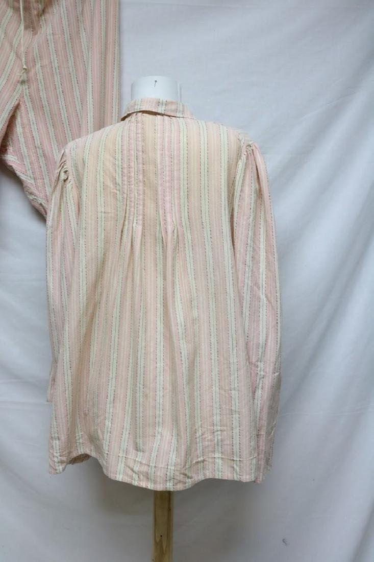 1940's Women's Pink Stripe Flannel Pajama set - 3