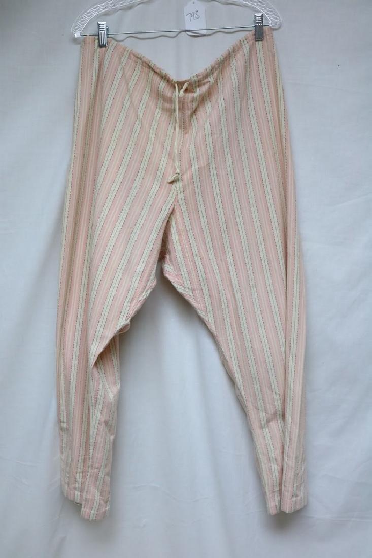 1940's Women's Pink Stripe Flannel Pajama set - 4