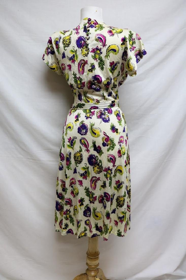 1940s paisley rayon jersey dress - 3
