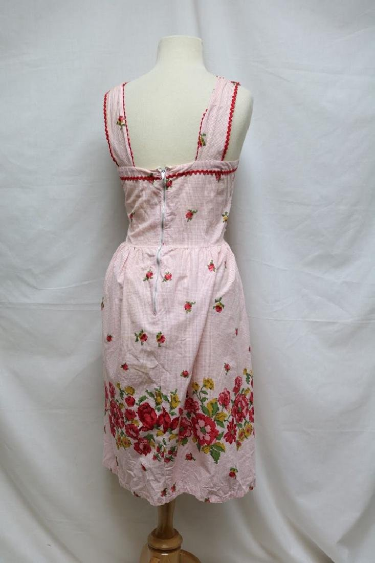 1950s cross stitch print dress - 4