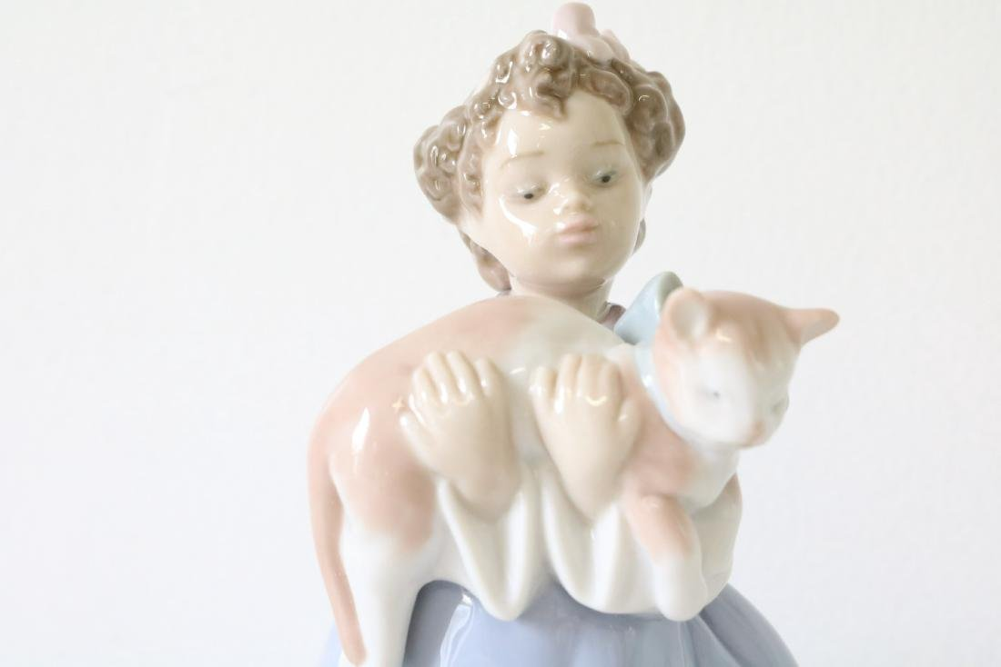 Lladro, My Chubby Kitty #06422 - 3