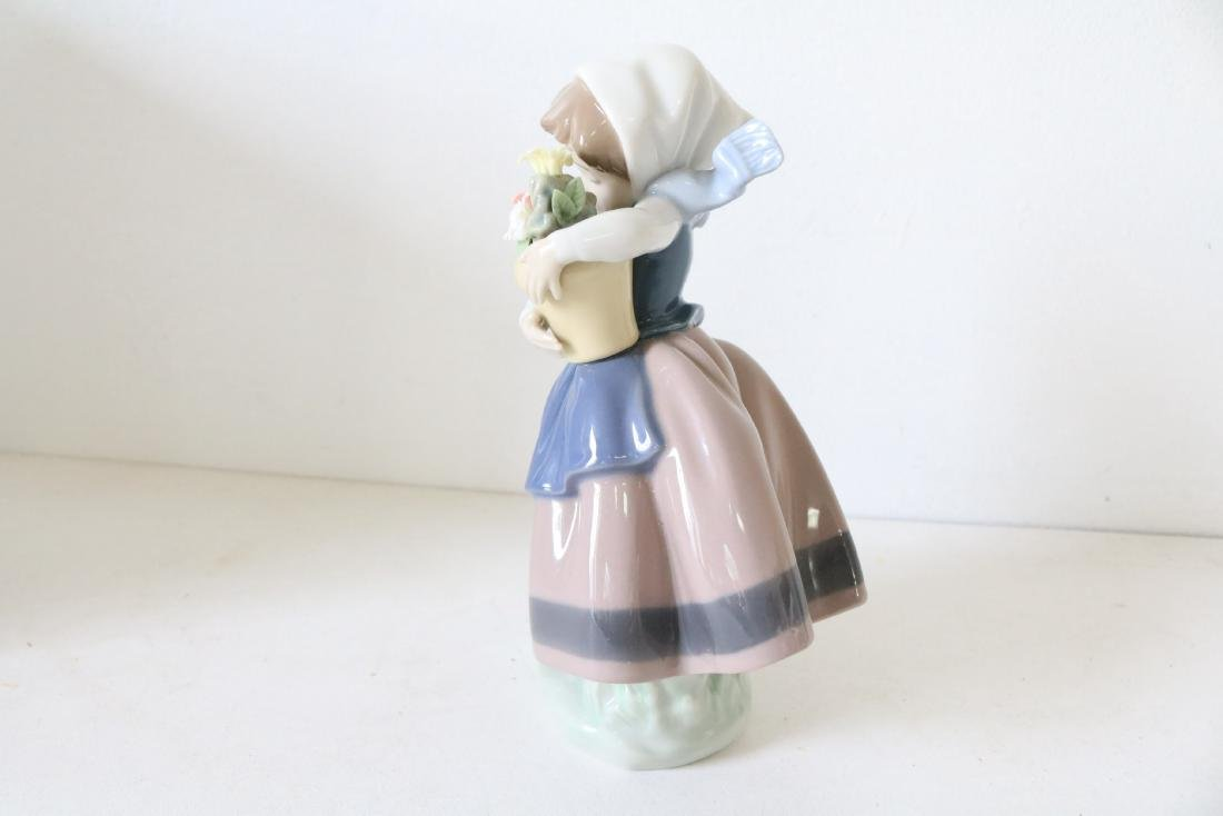 Lladro, Spring Is Here, #05223 - 3