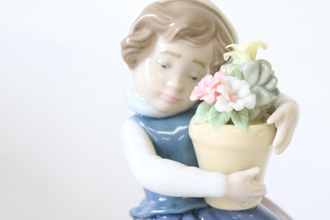 Lladro, Spring Is Here, #05223 - 5