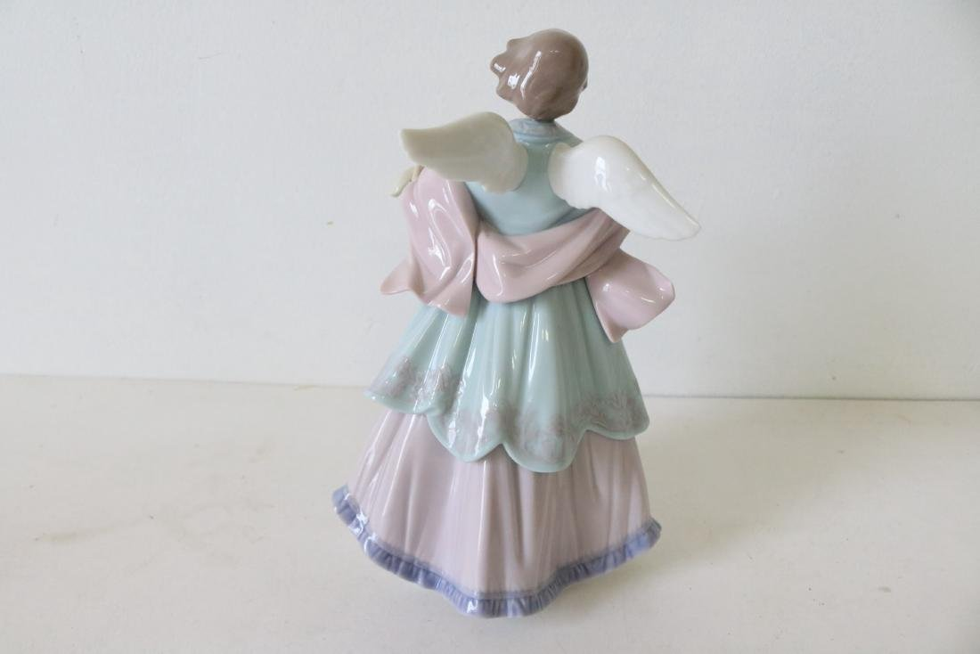 Lladro, Joyful Offering, #06125 - 6