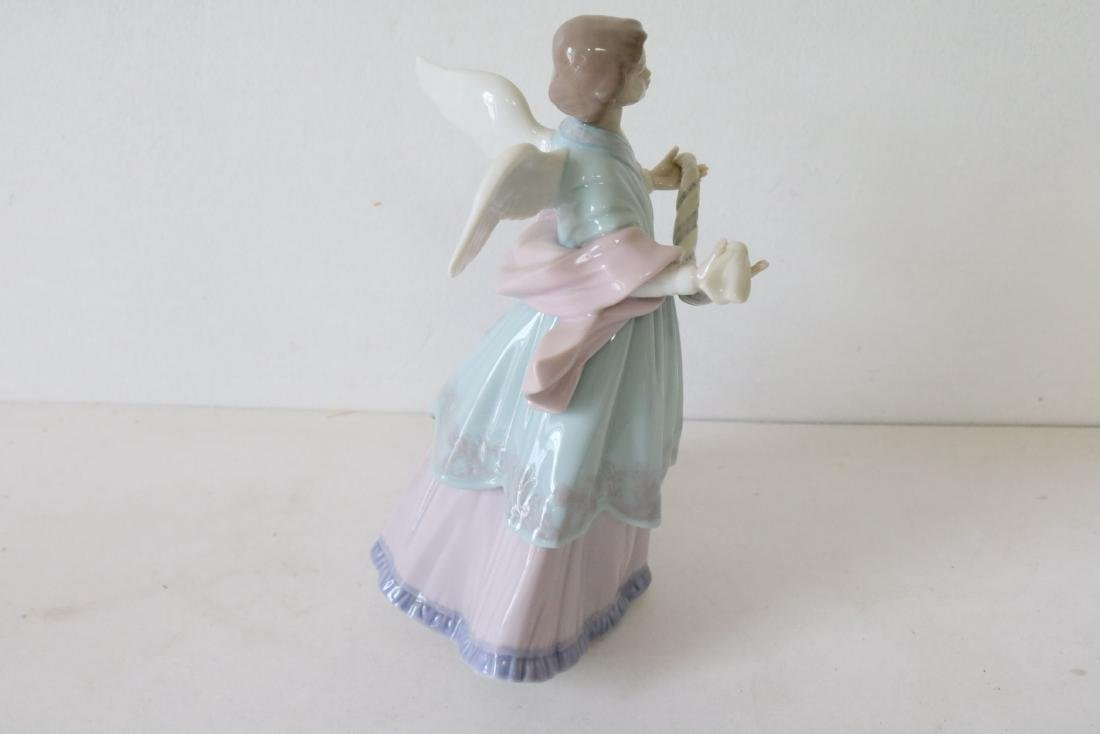 Lladro, Joyful Offering, #06125 - 8