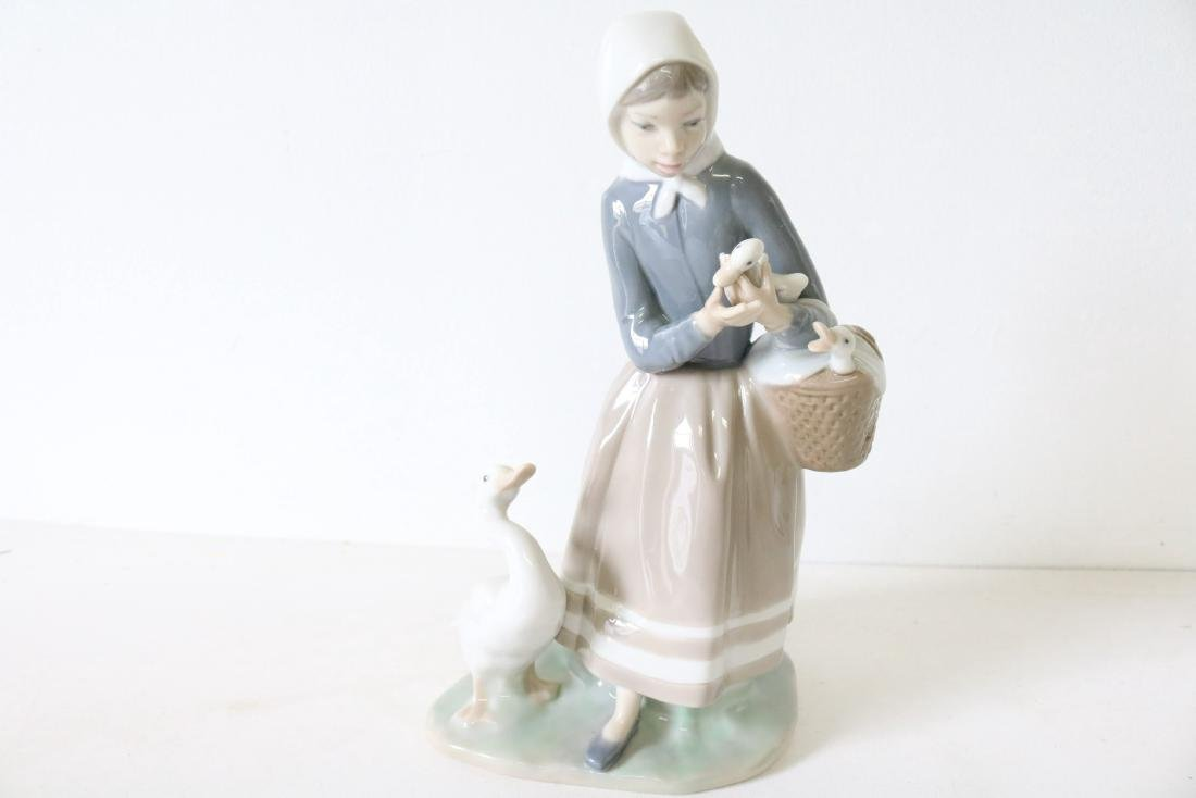 Lladro, Shepherdess with Ducks #4568 - 2