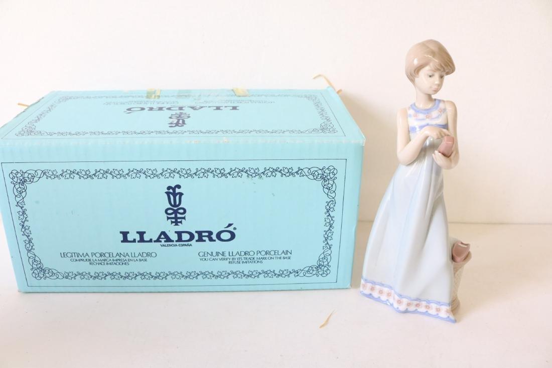 Lladro, Calling A Friend #5607