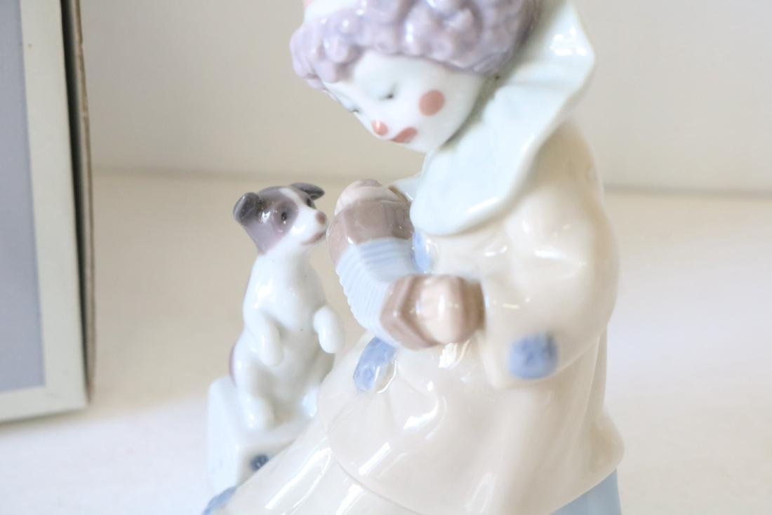 Lladro, Pierrot with Concertina #5279 - 3