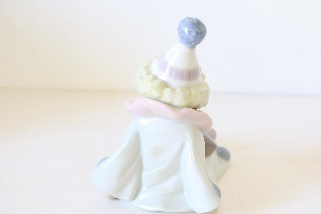 Lladro, Pierrot with Puppy & Ball #5278 - 4