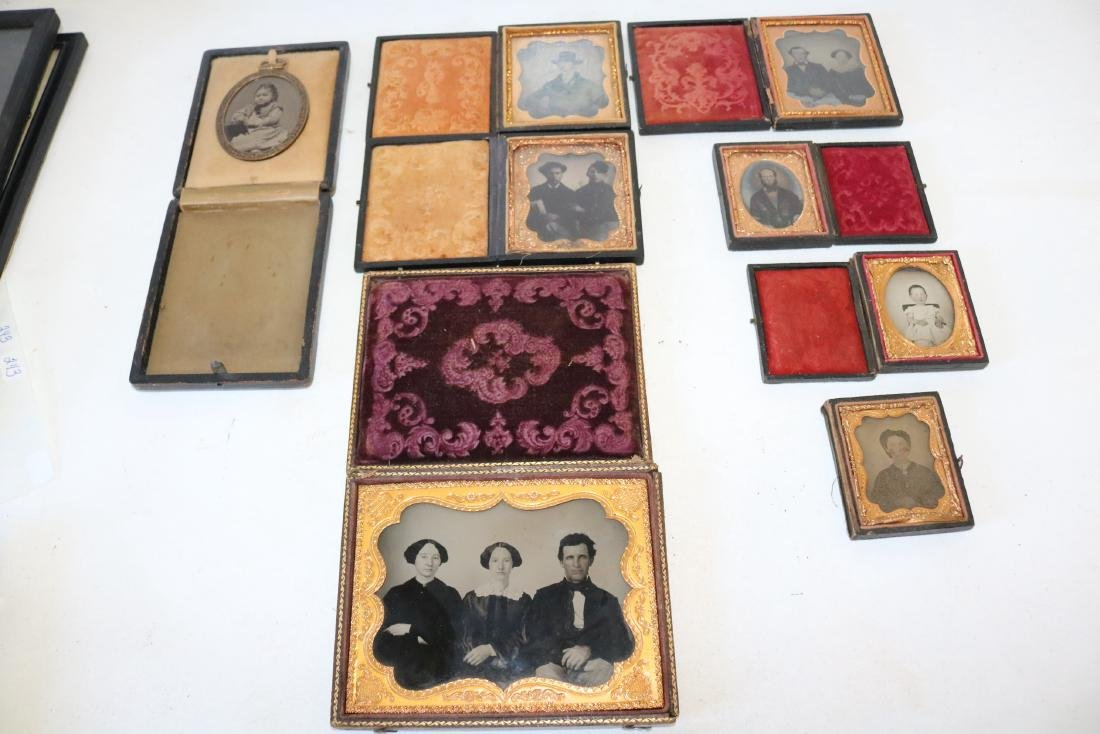 Lot of 8 Daguerreotype Photo's in Cases