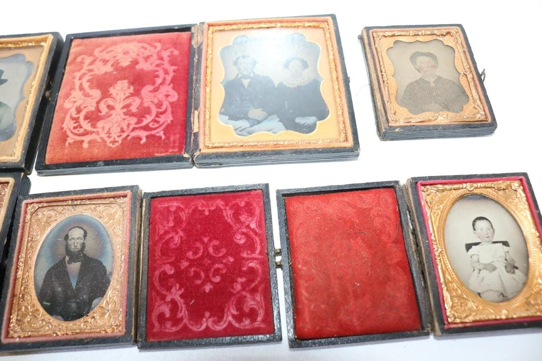 Lot of 8 Daguerreotype Photo's in Cases - 4
