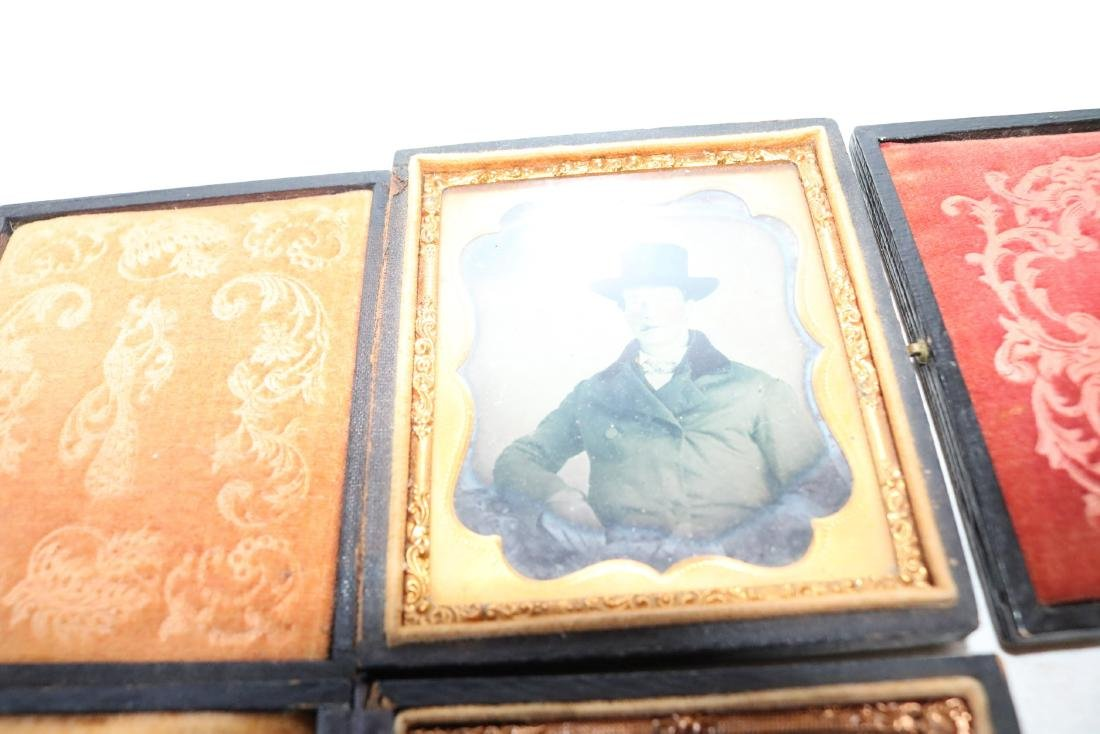 Lot of 8 Daguerreotype Photo's in Cases - 5