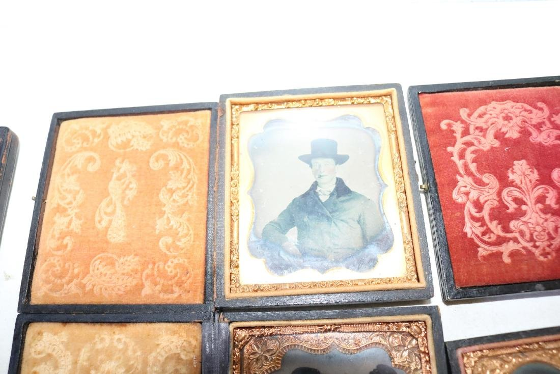 Lot of 8 Daguerreotype Photo's in Cases - 6